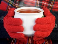 winter+hands+holding+soup